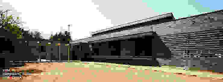 건물 전경 모던스타일 주택 by 이이케이 건축사사무소 모던 벽돌