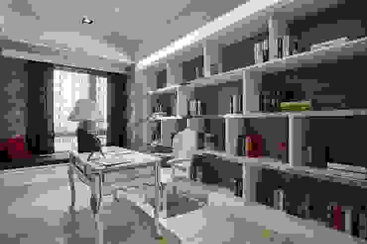 書房延續了公領域的古典元素 根據 雅和室內設計 古典風