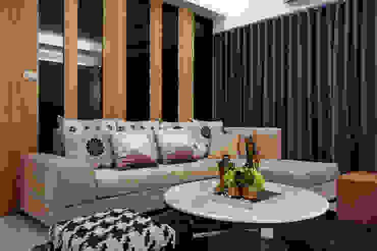 具備溫馨舒適的氣氛 根據 雅和室內設計 現代風