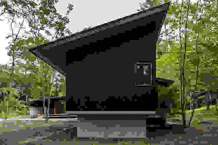 外観: アトリエ慶野正司 ATELIER KEINO SHOJI ARCHITECTSが手掛けた片流れ屋根です。,