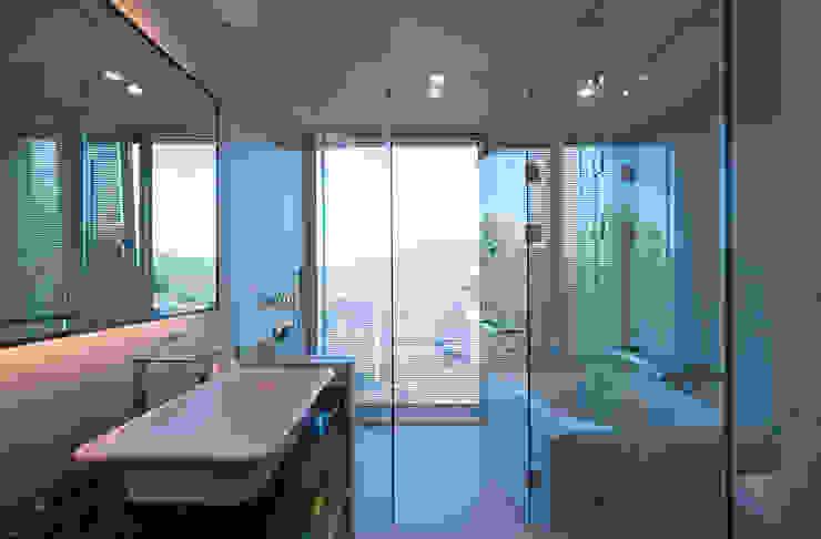 Modern bathroom by (주)자림이앤씨건축사사무소 Modern