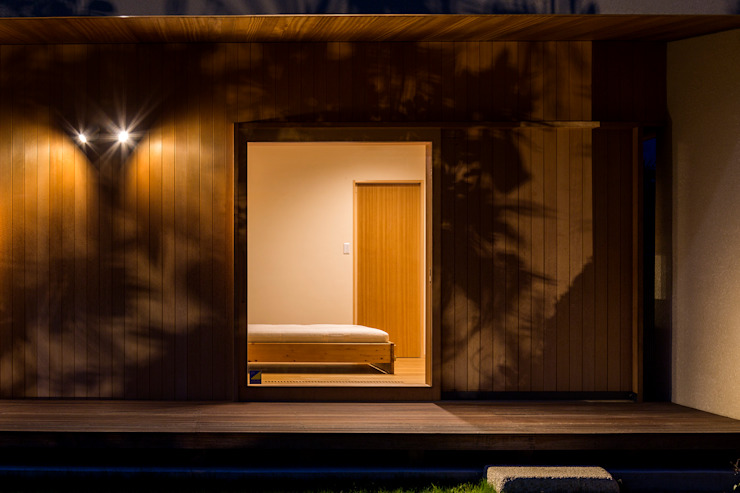 Eclectic style bedroom by アトリエ慶野正司 ATELIER KEINO SHOJI ARCHITECTS Eclectic