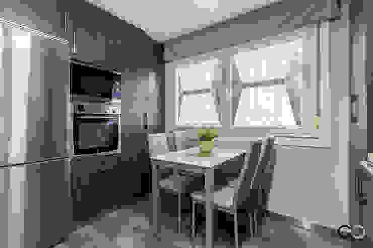 COCINA Cocinas de estilo moderno de CCVO Design and Staging Moderno