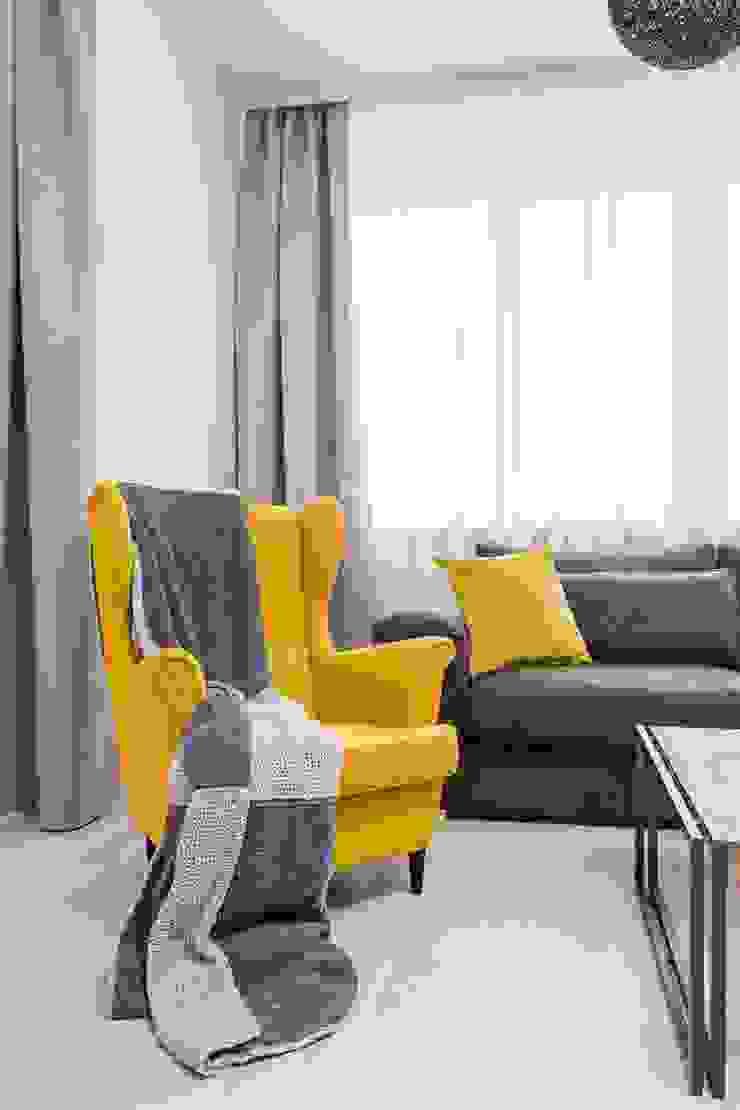AIN projektowanie wnętrz Ruang Keluarga Gaya Skandinavia