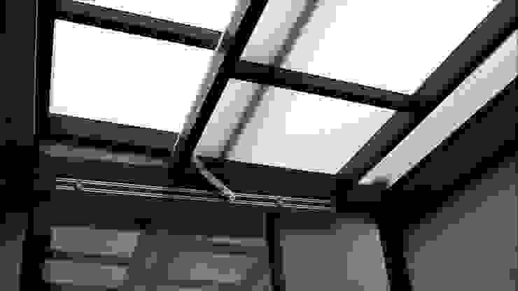 cobertura retratil por Envidralux esquadrias e vidros Moderno