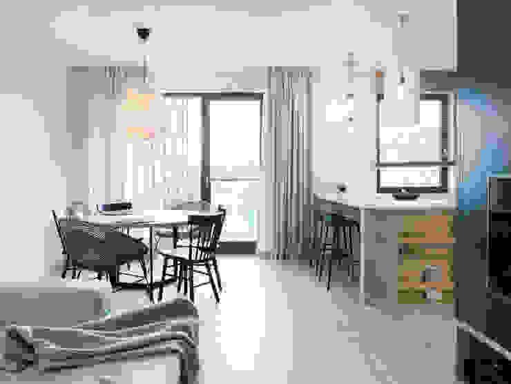 formativ. indywidualne projekty wnętrz Minimalist dining room Wood Beige