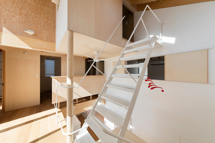 by アトリエハコ建築設計事務所/atelier HAKO architects Modern