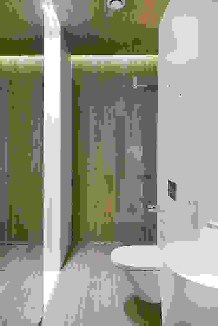 formativ. indywidualne projekty wnętrz Modern Bathroom Wood effect