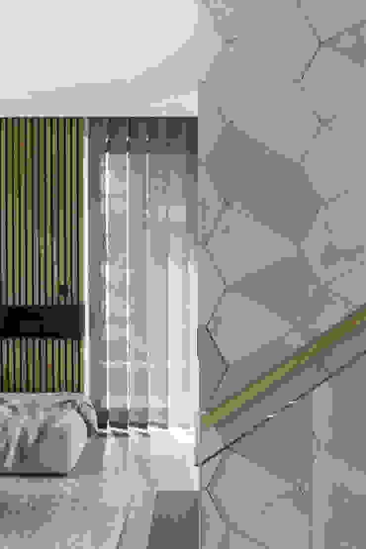formativ. indywidualne projekty wnętrz Modern Corridor, Hallway and Staircase Grey