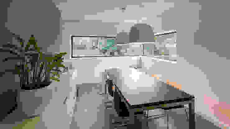 Ruang Makan Modern Oleh CHORA architecten Modern