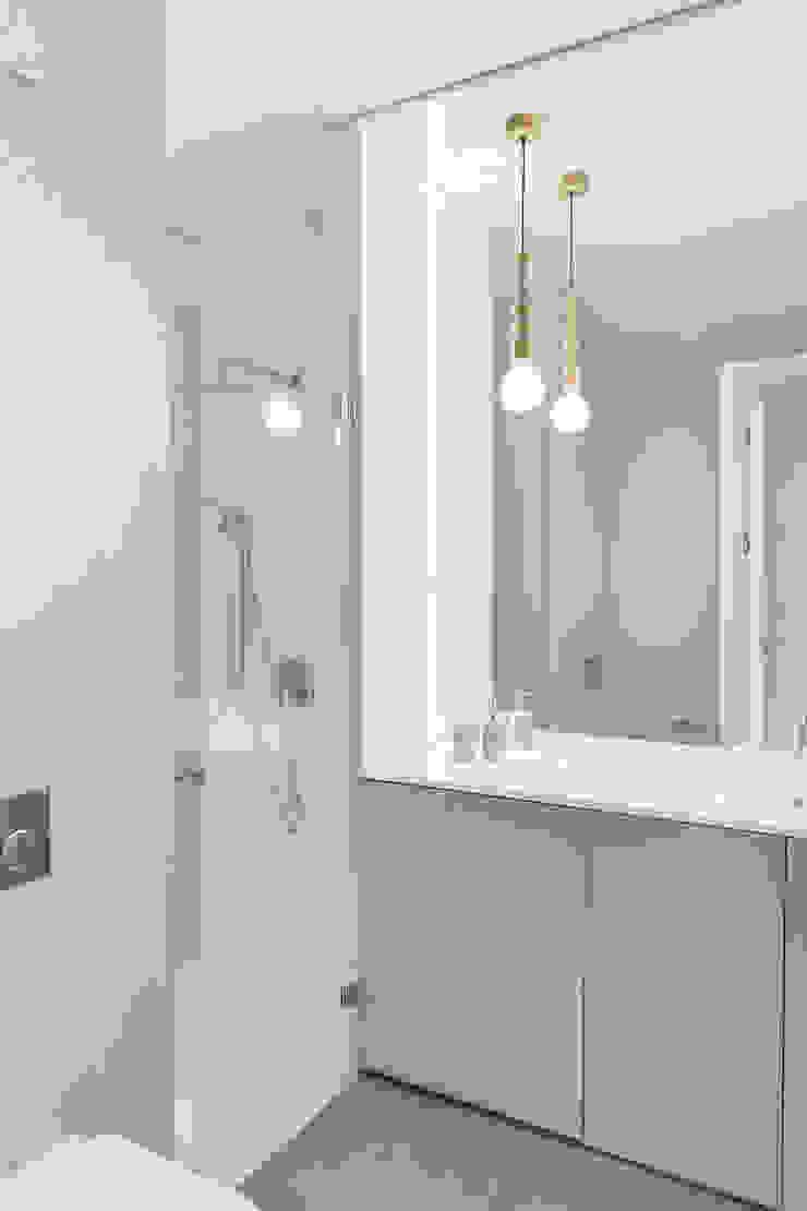 formativ. indywidualne projekty wnętrz Modern Bathroom White