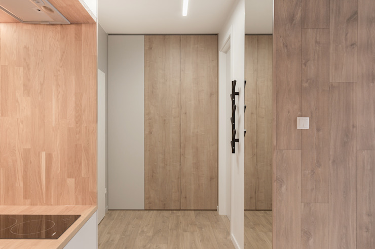 formativ. indywidualne projekty wnętrz Minimalist corridor, hallway & stairs Wood effect