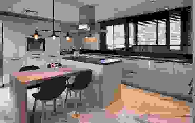 ABA HOUSE Modern kitchen by Esra Kazmirci Mimarlik Modern Marble