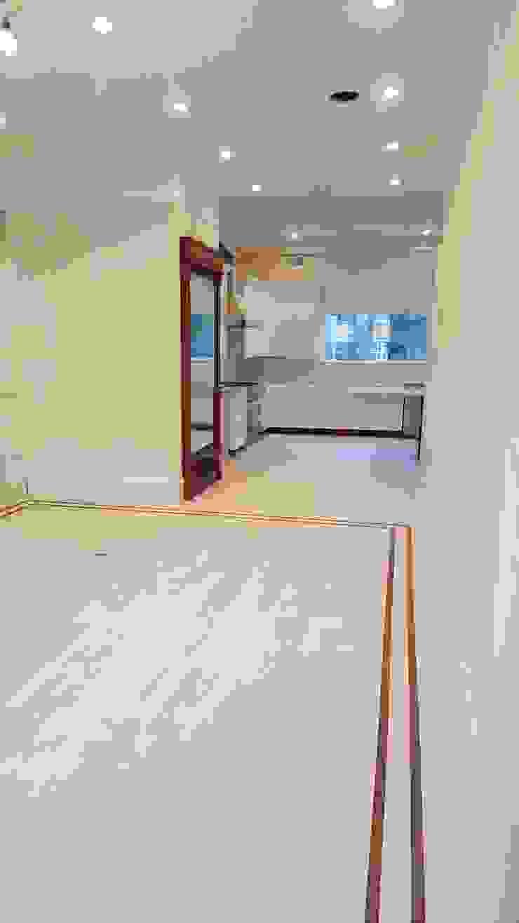 White Oak Rubio Monocoat finish with borders by Shine Star Flooring Classic