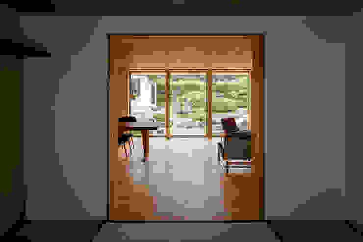 에클레틱 미디어 룸 by 中山大輔建築設計事務所/Nakayama Architects 에클레틱 (Eclectic)