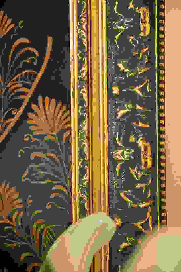 HACIENDA SANTA CRUZ DE PAPARE Pasillos, vestíbulos y escaleras de estilo colonial de Maria Teresa Espinosa Colonial