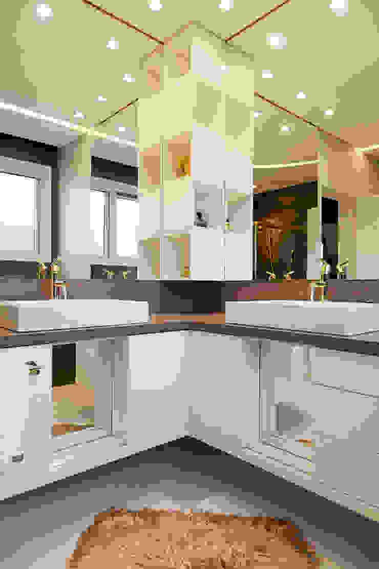 Moderne badkamers van Maciel e Maira Arquitetos Modern