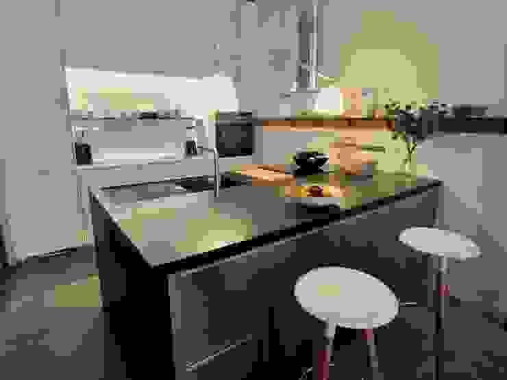 REFORMA INTEGRAL EN MADRID DOMUS NOVA Cocinas de estilo ecléctico