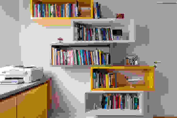 Luciana Ribeiro Arquitetura Study/office Yellow