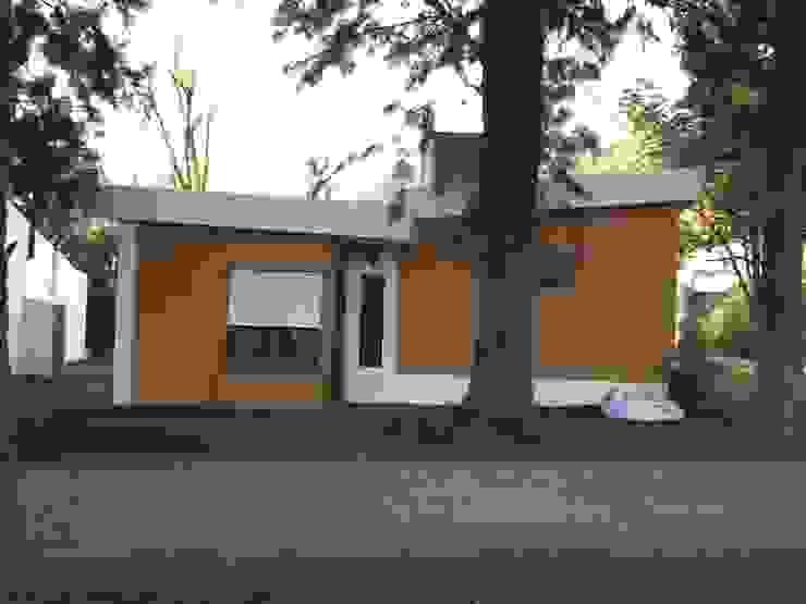 Classic style houses by Arq. SILVA RAFAEL C. & ASOC. Classic