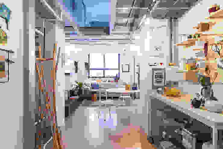 Ruang Keluarga Modern Oleh ZEROPXL | Fotografia di interni e immobili Modern