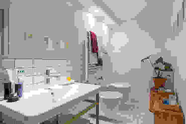 Kamar Mandi Modern Oleh ZEROPXL | Fotografia di interni e immobili Modern