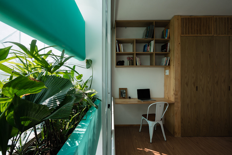 LESS house Phòng học/văn phòng phong cách hiện đại bởi workshop.ha Hiện đại