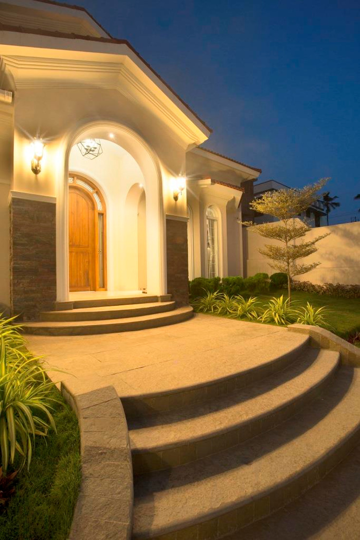 The House of Arches Mediterranean style houses by S Squared Architects Pvt Ltd. Mediterranean Bricks