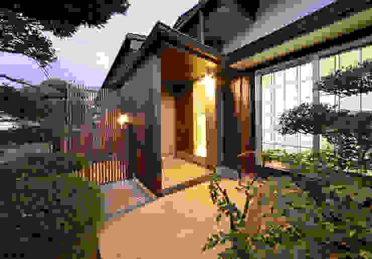 Moderne huizen van (有)中尾英己建築設計事務所 Modern