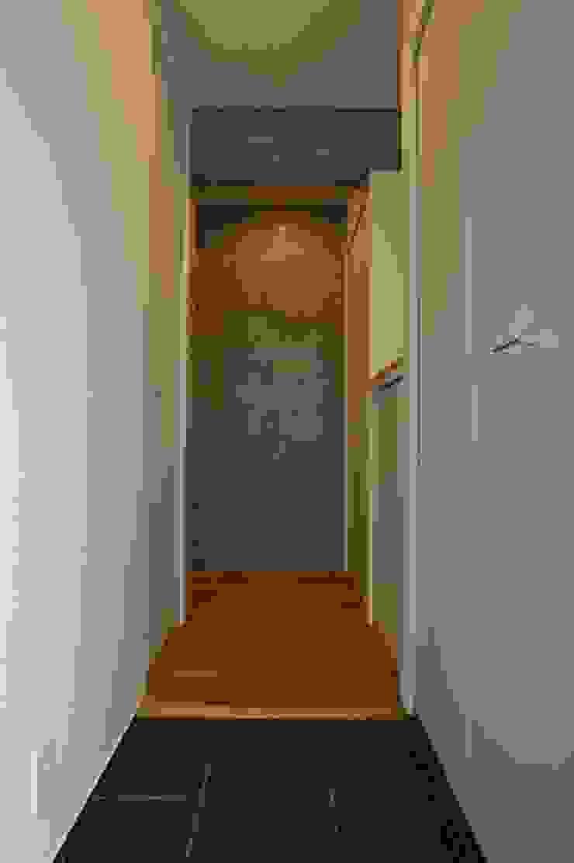(有)中尾英己建築設計事務所 Koridor & Tangga Modern