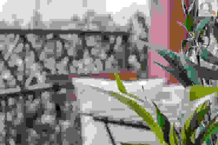 Charming Home Balconies, verandas & terraces Accessories & decoration