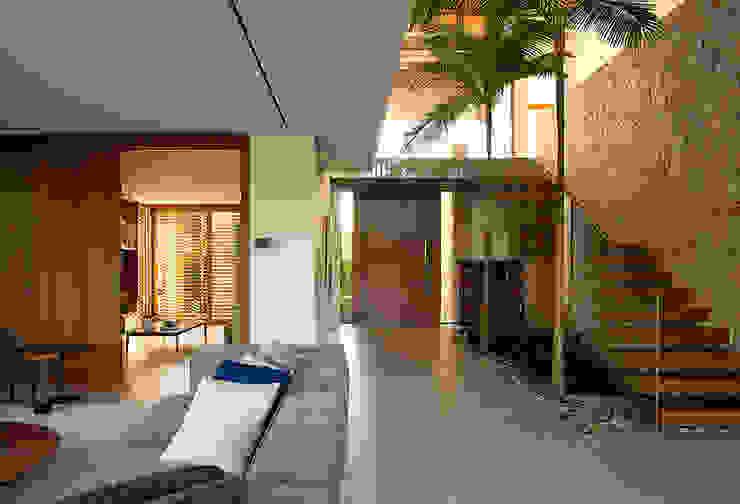 Modern walls & floors by Ruschel Arquitetura e Urbanismo Modern Stone