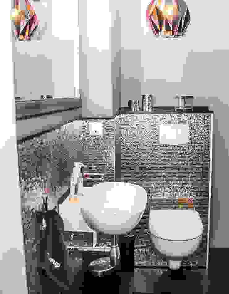 Modern Bathroom by Pomp & Friends - Interior Designer Modern
