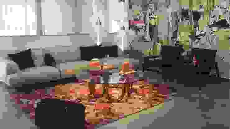 Sala Poliform de Spazio di Casa Venezuela Minimalista Textil Ámbar/Dorado