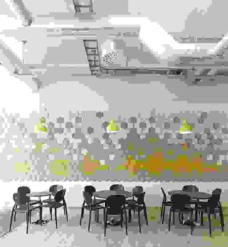 Interiors Modern dining room by shritee ashish & associates Modern