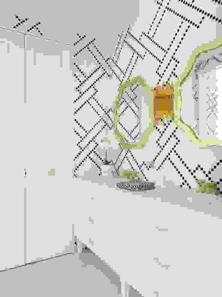 Interiors Modern dressing room by shritee ashish & associates Modern