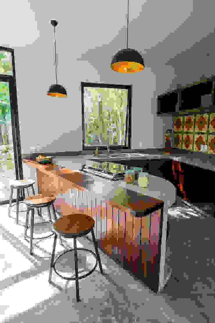 Modern kitchen by CO-TA ARQUITECTURA Modern