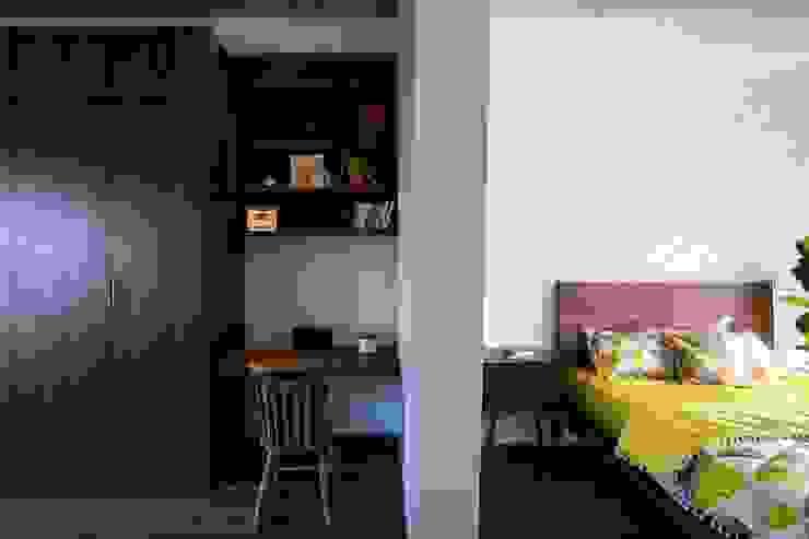 Thiết Kế Nhà 3 Tầng 5x8m Thoáng Mát Với Chi Phí 900 Triệu Ở Gò Vấp Phòng ngủ phong cách hiện đại bởi Công ty TNHH Xây Dựng TM – DV Song Phát Hiện đại