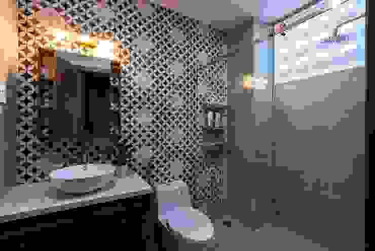 Thiết Kế Nhà 3 Tầng 5x8m Thoáng Mát Với Chi Phí 900 Triệu Ở Gò Vấp Phòng tắm phong cách hiện đại bởi Công ty TNHH Xây Dựng TM – DV Song Phát Hiện đại