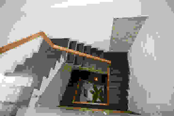 Mẫu Nhà 3 Tầng 6x13m Hướng Tây Có Thiết Kế Mặt Tiền Đẹp, Chắn Nắng bởi Công ty TNHH Xây Dựng TM – DV Song Phát Hiện đại