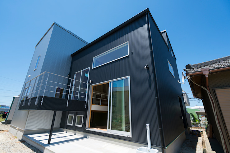 m+h建築設計スタジオ Wooden houses Aluminium/Zinc Black