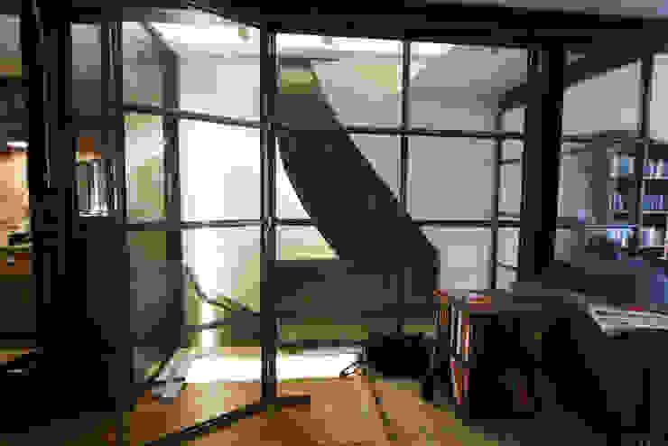 Projekty,  Schody zaprojektowane przez YBB Architecture Amsterdam, Nowoczesny