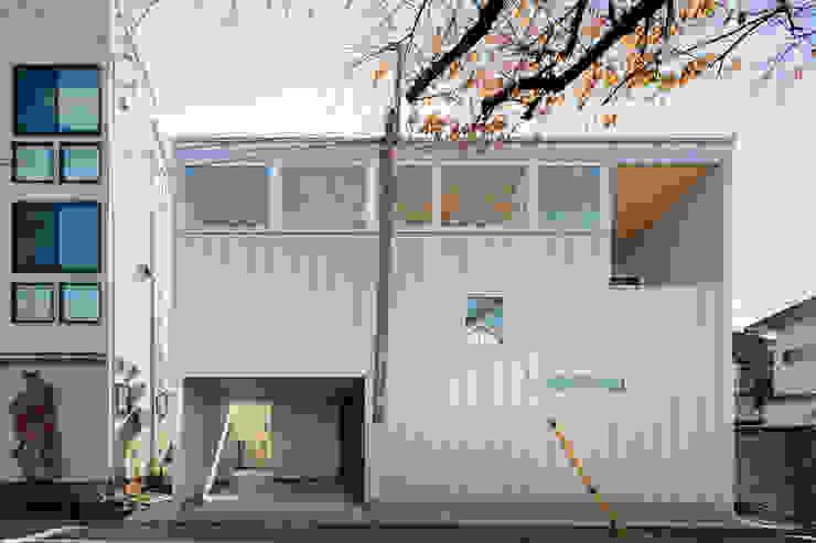 桜並木と暮らす家 の 設計事務所アーキプレイス ミニマル 鉄/鋼