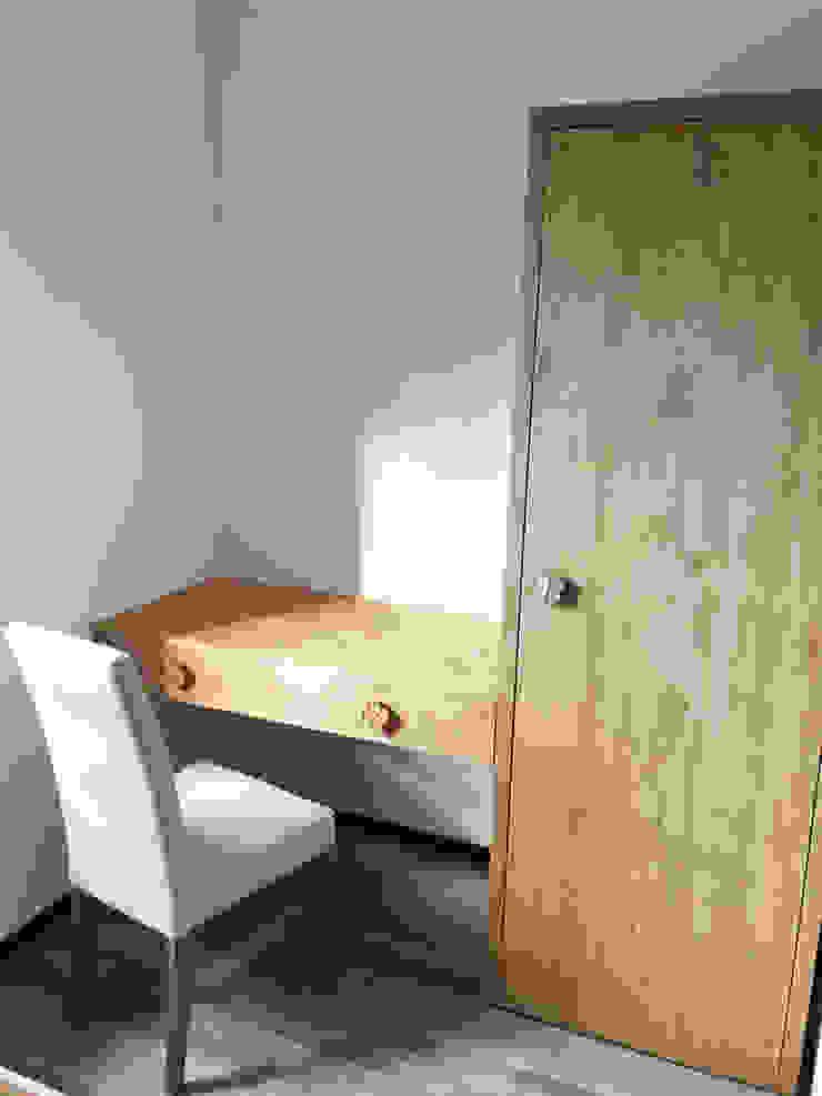 RI-NOVO ห้องนอน ไม้ Brown