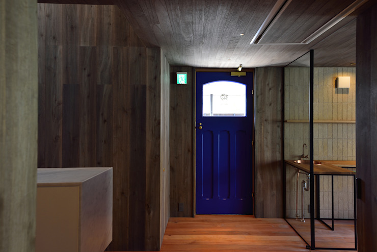 Modern gastronomy by Mimasis Design/ミメイシス デザイン Modern Wood Wood effect