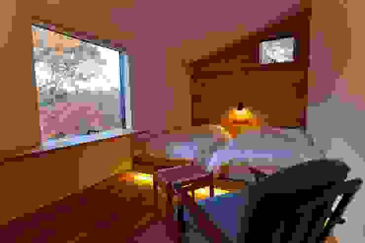 Гостиницы в стиле модерн от Mimasis Design/ミメイシス デザイン Модерн Дерево Эффект древесины