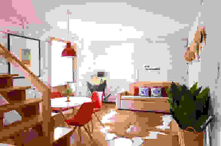 Apartamentos Rua de Trás - Alojamento turístico (7 apartamentos) - Centro do Porto Salas de jantar escandinavas por ShiStudio Interior Design Escandinavo