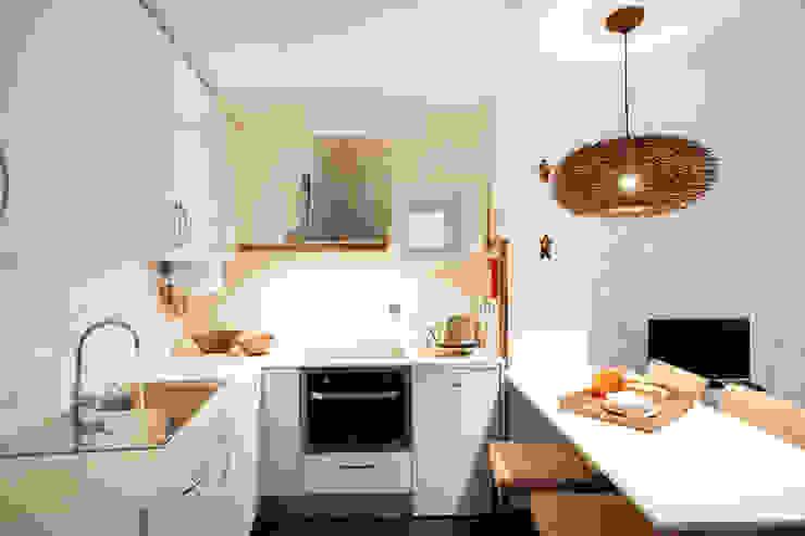 Apartamentos Rua de Trás - Alojamento turístico (7 apartamentos) - Centro do Porto Cozinhas escandinavas por ShiStudio Interior Design Escandinavo