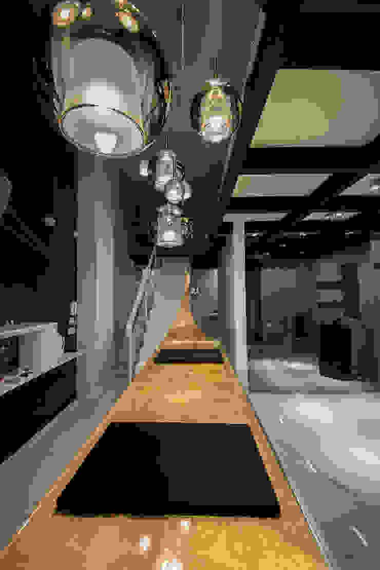 Studio di Segni Modern style doors