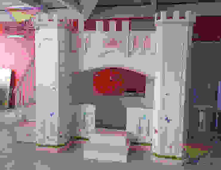 Precioso castillo litera con maripososas y flores de camas y literas infantiles kids world Clásico Derivados de madera Transparente